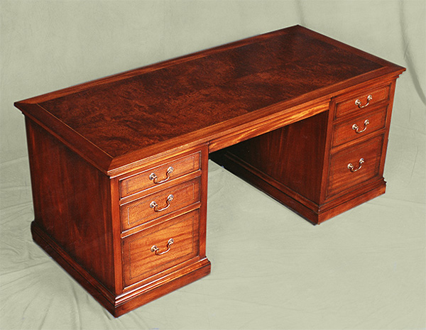 Gentleman 39 S English Style Library Desk Mitchel Berman